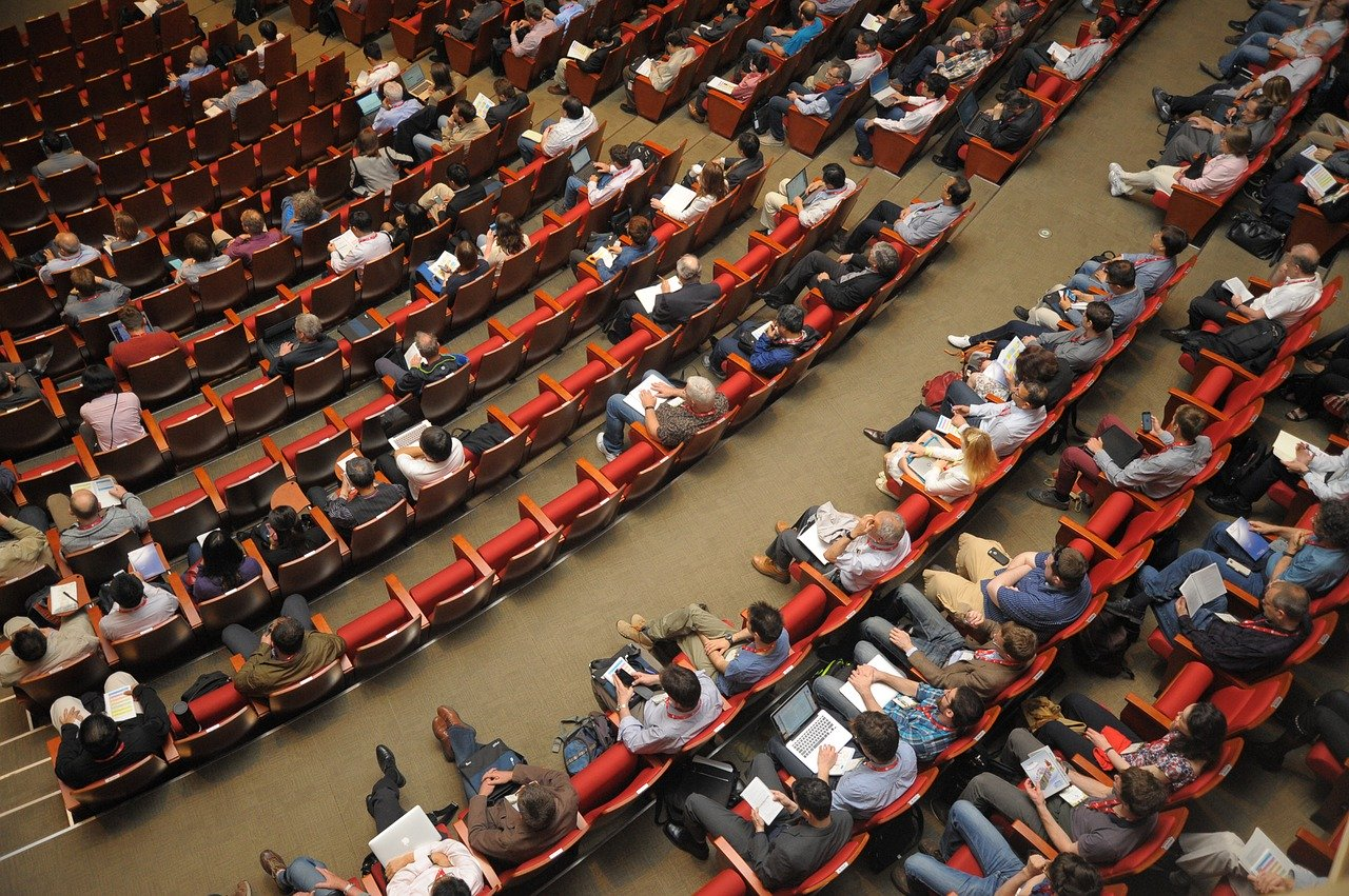 How to Survive a Boring Business Conference